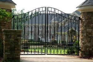 Nice Gate, Nice House!